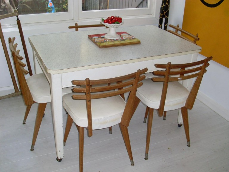 1950s dining